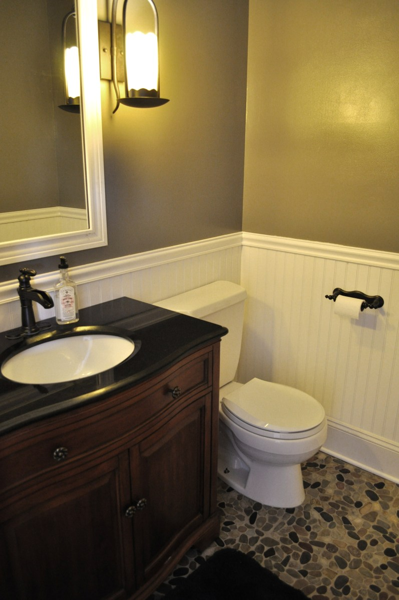 Diy bathroom makeover a homemaker 39 s unexpected talent for 2 bathroom